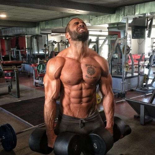 Программа тренировок, диета на массу и сушку спортивное питание от Лазара Ангелова.