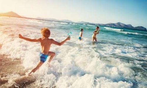 Помогает ли суставам морская вода. Чем полезна и вредна?