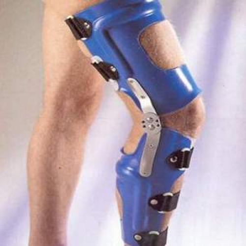 Тутор коленного сустава. Когда кому, в каких случаях назначают ношение тутора?