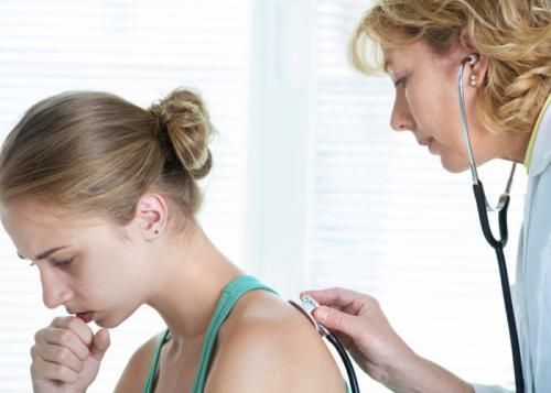 Можно ли лечить пневмонию дома. Пневмония: как лечить в домашних условиях и без лекарств?