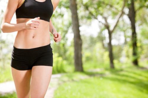 В какое время лучше заниматься спортом в домашних условиях. Когда лучше всего тренироваться, чтобы похудеть?