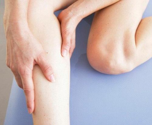 Слабость в коленях и боль. По какой причине появляется слабость в коленях?