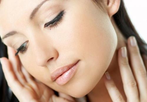 Как питать и увлажнять кожу лица. Увлажнение и питание кожи лица