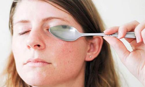 Как убрать черные круги под глазами в домашних условиях. Как убрать круги под глазами
