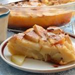 Творожно - яблочная шарлотка: полезная и вкусная выпечка!