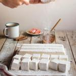 Творожный зефир?   Этот десерт очень прост в приготовлении, а по вкусу он напоминает самый настоящий зефир!