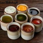 10 вариантов разных соусов.